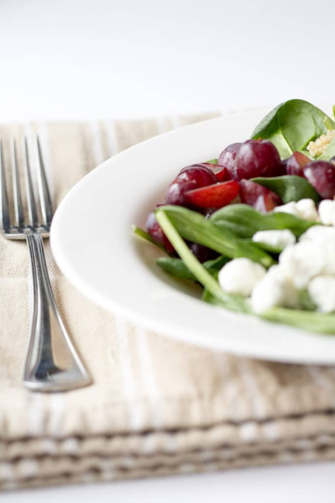 Spinach Quinoa Salad with Goat Cheese & Grapes
