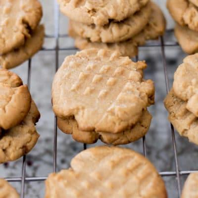 Old-School Easy Peanut Butter Cookies